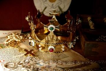 The funeral crown for Richard III @John Ashdown-Hill