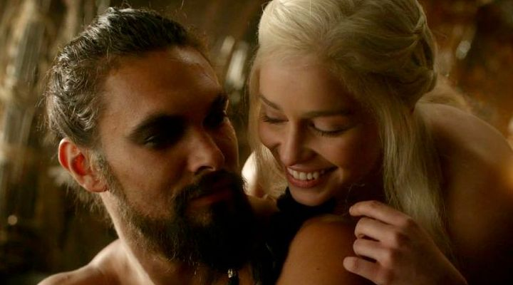 A loving moment between Khal Drogo and Daenerys Targaryen