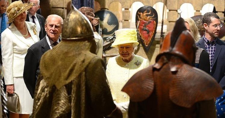 Queen-Game-Thrones-Set-2