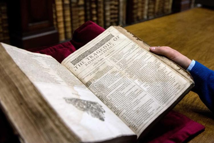 Shakespeare-First-Folio-Saint-Omer-01
