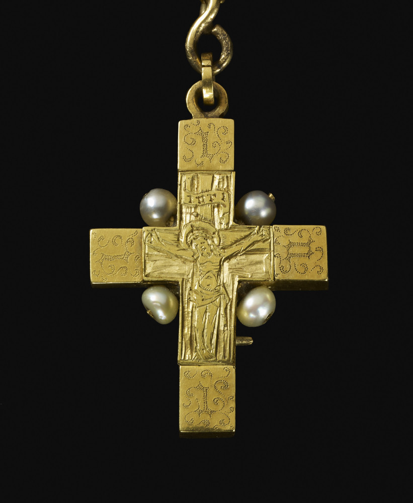 Clare reliquary Royal Collection Trust/© Her Majesty Queen Elizabeth II 2014.