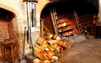 Hampton-Court-kitchens03