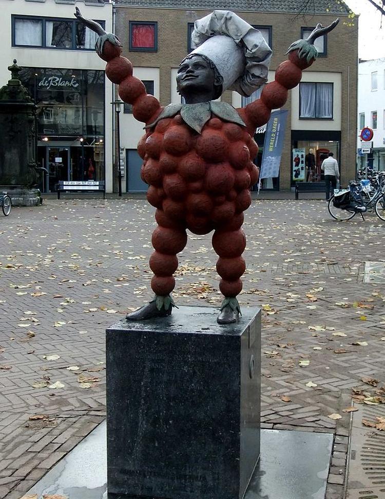 Flipje statue in Tiel