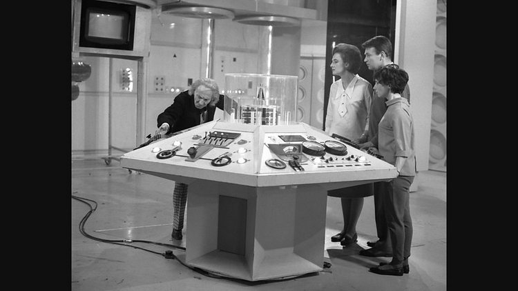 Doctor-Who-History-TARDIS-Console-001