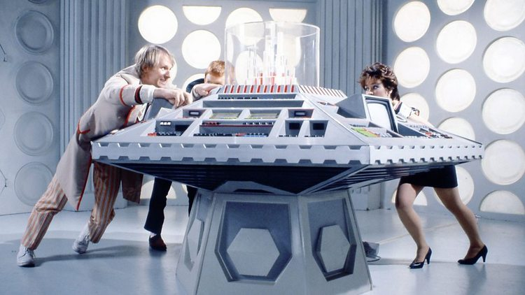 Doctor-Who-History-TARDIS-Console-011