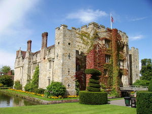 Hever Castle was purchased by Geoffrey Boleyn in 1462