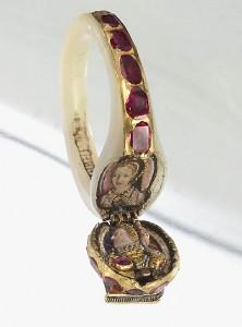 Elizabeth I's locket ring thought to contain Anne Boleyn's portrait.