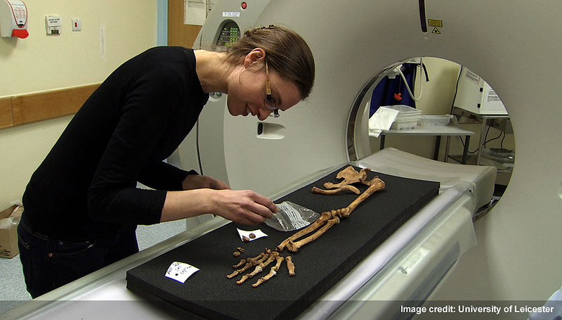 Dr. Jo Appleby, lead osteologist on the Greyfriars dig, with King Richard III's remains
