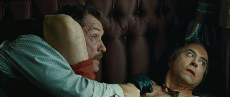 Jude law and Robert Downey Jr. in Sherlock Holmes: A Game of Shadows | Picture ©Warner Bros