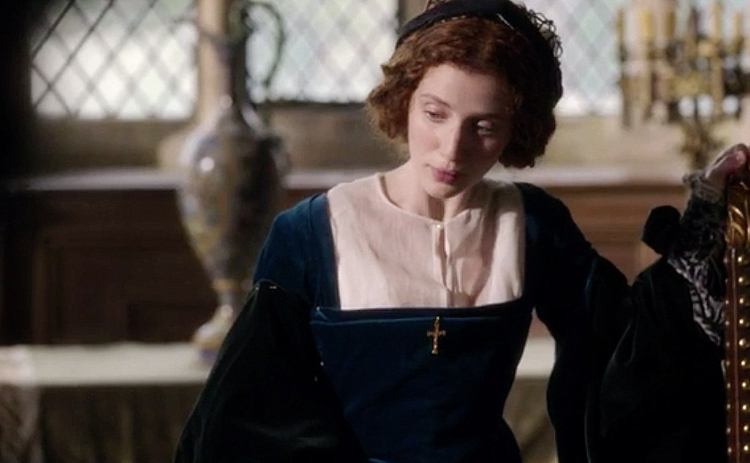 Wolf-Hall-Episode-3-Anna-Regina-01.png
