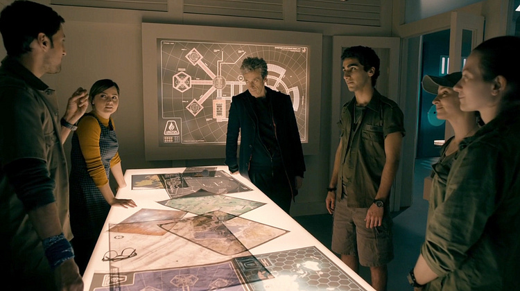 Doctor-Who-Under-the-Lake-T10-009