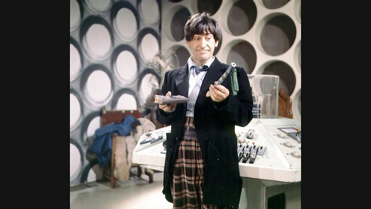 Doctor-Who-History-TARDIS-Console-003