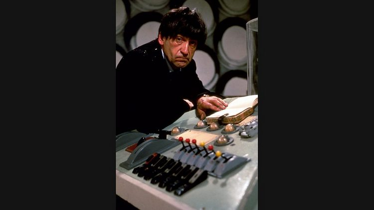 Doctor-Who-History-TARDIS-Console-004