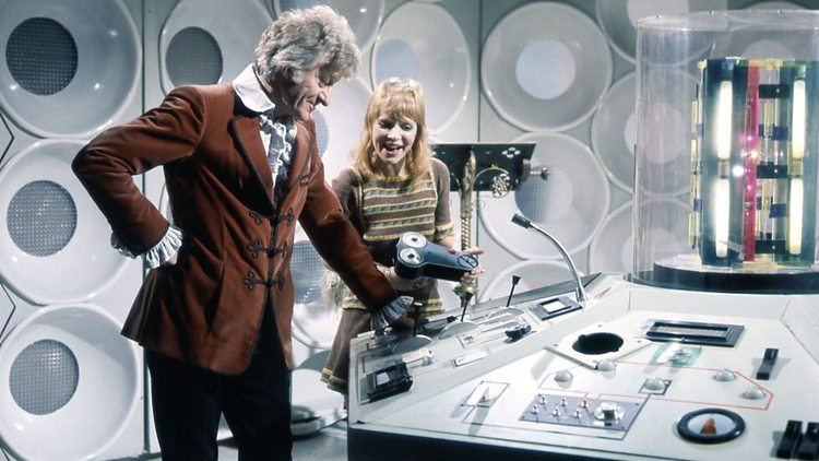 Doctor-Who-History-TARDIS-Console-005