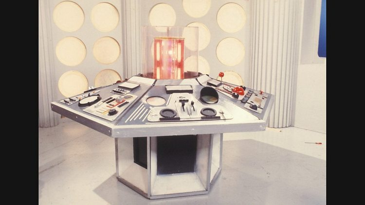 Doctor-Who-History-TARDIS-Console-008