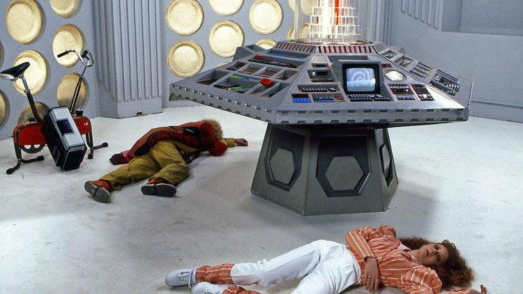 Doctor-Who-History-TARDIS-Console-012