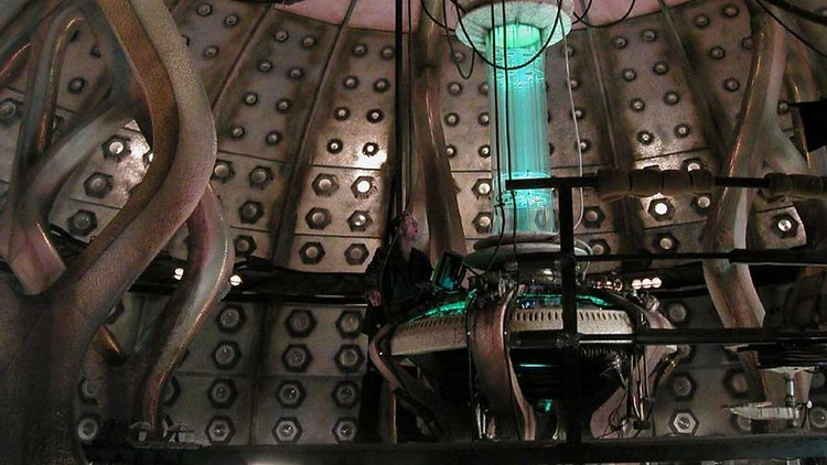 Doctor-Who-History-TARDIS-Console-016