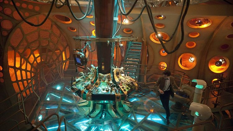 Doctor-Who-History-TARDIS-Console-018