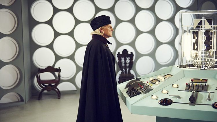 Doctor-Who-History-TARDIS-Console-023