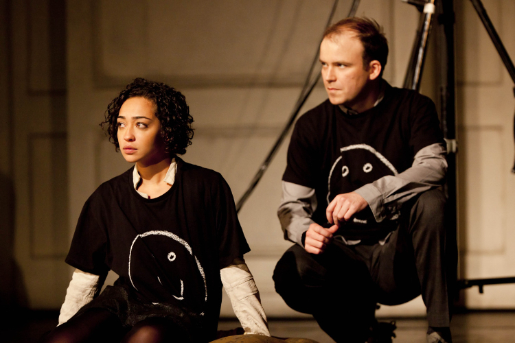 Ruth Negga as Ophelia and Rory Kinnear as Hamlet in NTL's 2010 production