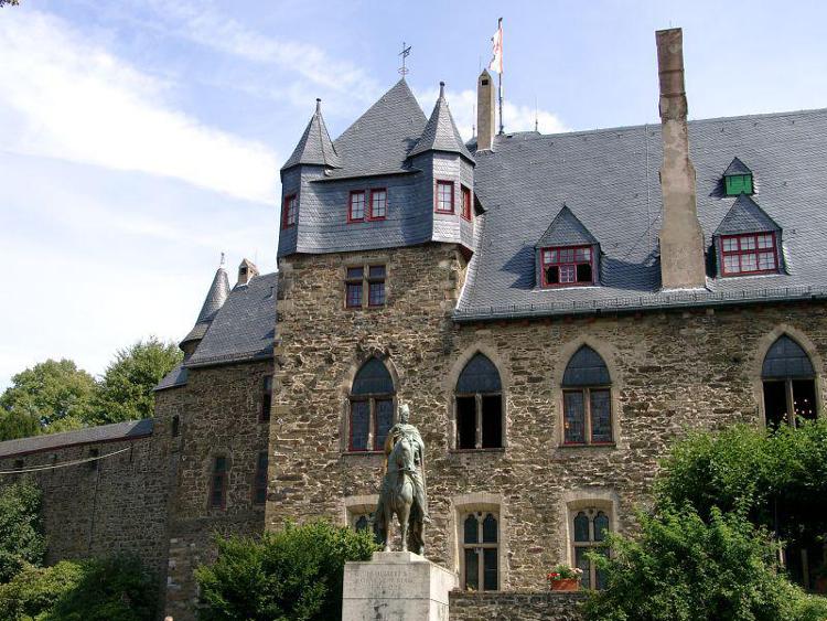 Schloss-Burg-an-der-Wupper-02