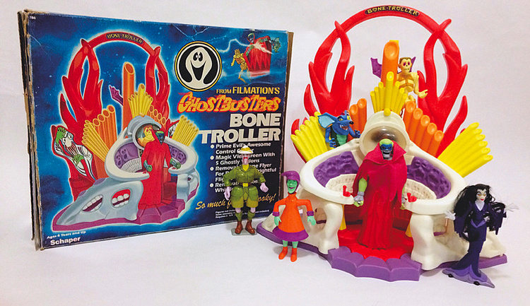 Filmation's Ghostbusters Bone Troller with Prime Evil, Haunter, Fib Face, Mysteria, Scared Stiff and Brat-A-Rat Action Figures