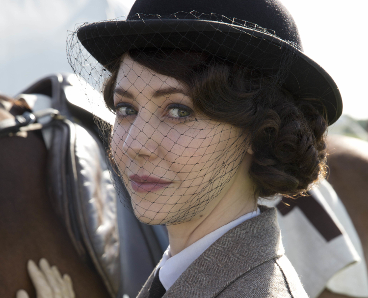 Downton Abbey S5 The fifth series, set in 1924, sees the return of our much loved characters in the sumptuous setting of Downton Abbey. As they face new challenges, the Crawley family and the servants who work for them remain inseparably interlinked. CATHERINE STEADMAN as Mabel Lane Fox. Photographer: Nick Briggs